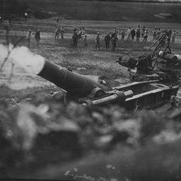 French howitzer in action on the Somme, 1916